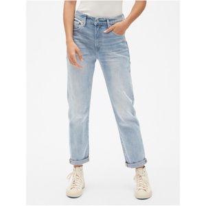 🆕NWT GAP Girlfriend High Rise Jeans Light Wash